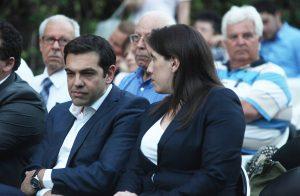 Ζωή Κωνσταντοπούλου… on fire! Τσίπρας, ιππότες και… μαύρες κότες! [vids]