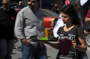 Λάρισα: Το καμουφλάζ των εφοριακών – Τα έχασε ιδιοκτήτης καφετέριας με την αποκάλυψη!