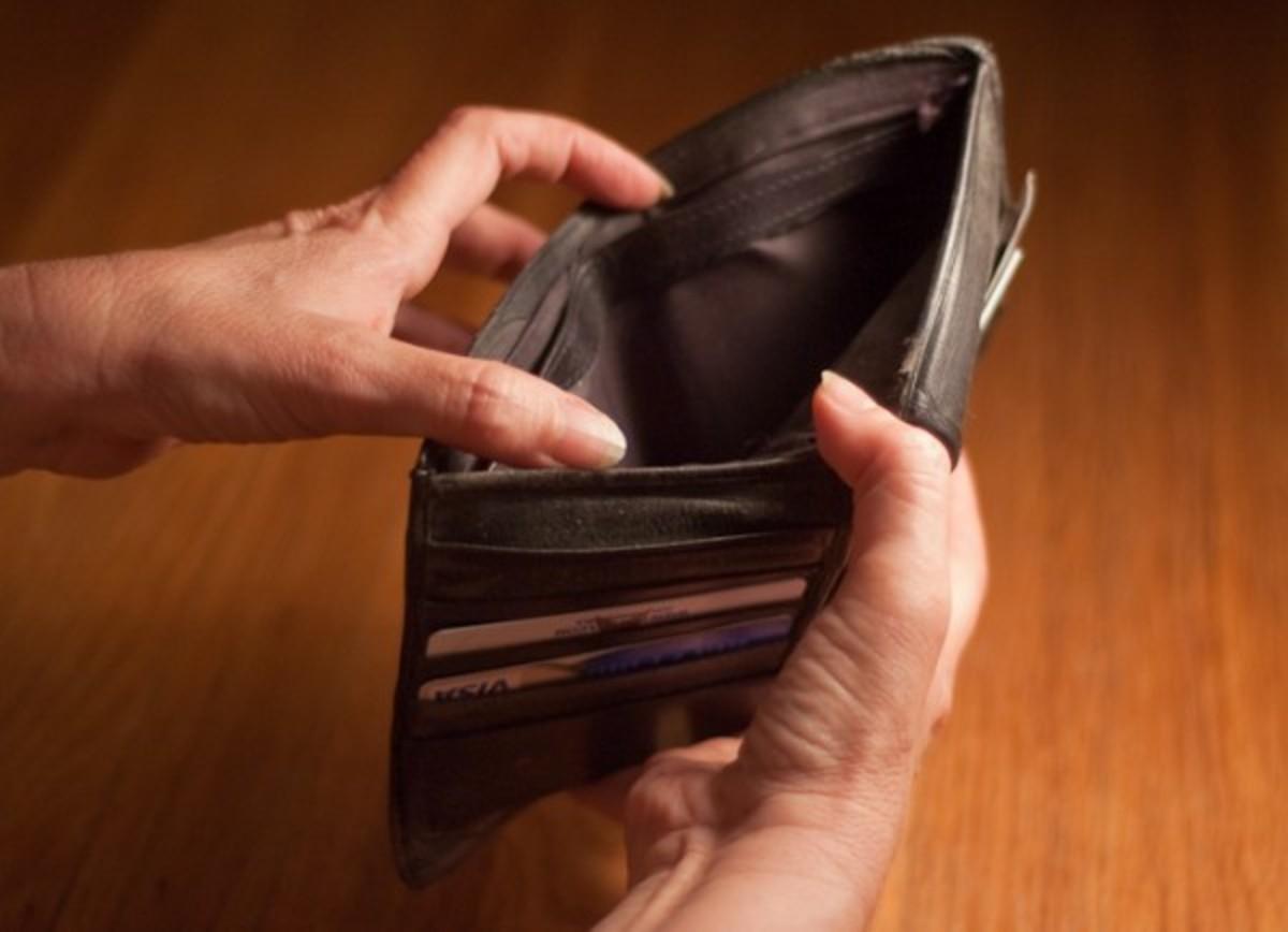 """""""Κούρεμα"""" σε καταναλωτικά δάνεια και κάρτες από τις τράπεζες – Τι προτείνουν για τα στεγαστικά"""