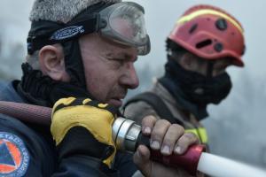 Δεν άφησαν πυροσβέστες που επιχειρούσαν στην Κεφαλονιά να μπουν σε πλοίο για να γυρίσουν σπίτια τους