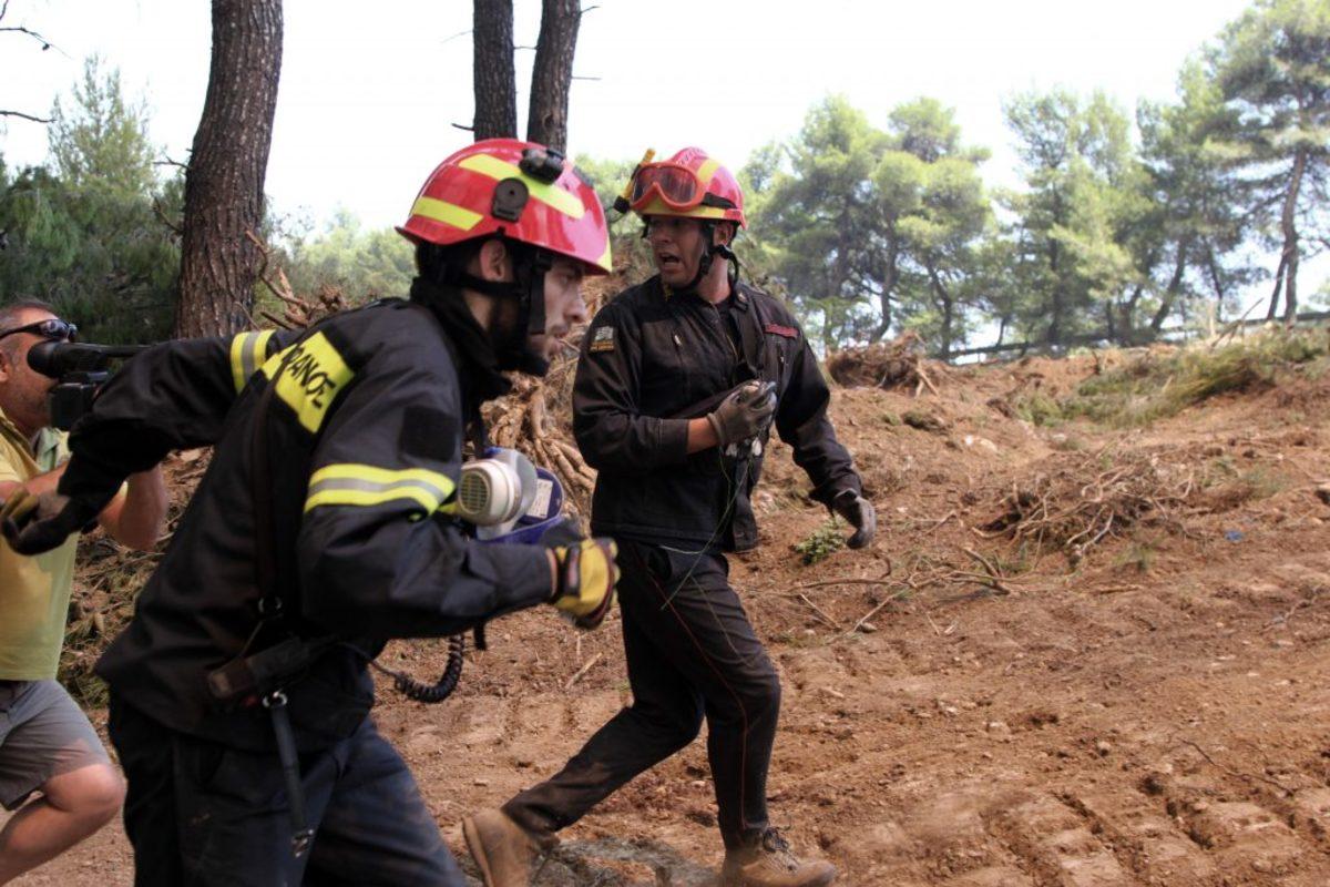 Φωτιά στην Αττική: Οι ήρωες των ημερών [pics]