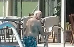 Οι βουτιές του Άκη Τσοχατζόπουλου σε ιδιωτική πισίνα – Τα χαμόγελα του πρώην υπουργού [pics]