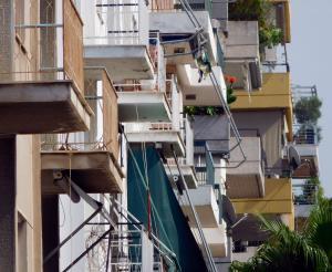Αγωνία για 9χρονο κοριτσάκι – Έπεσε στο κενό από τον 4ο όροφο!