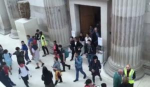 Χάος στο Βρετανικό Μουσείο – Εκκενώθηκε για λόγους ασφαλείας [vid]