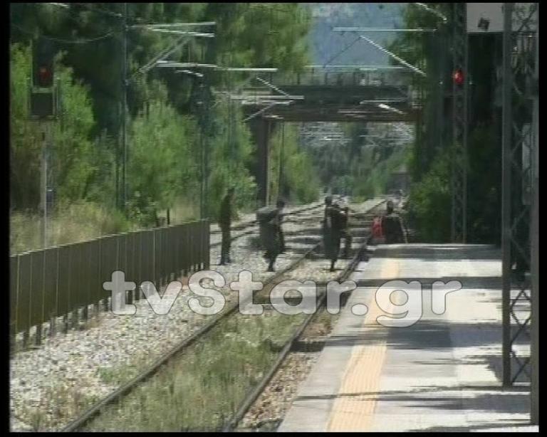 """Στρατιώτης παρασύρθηκε από τρένο – Το μοιραίο """"κόψιμο"""" δρόμου"""
