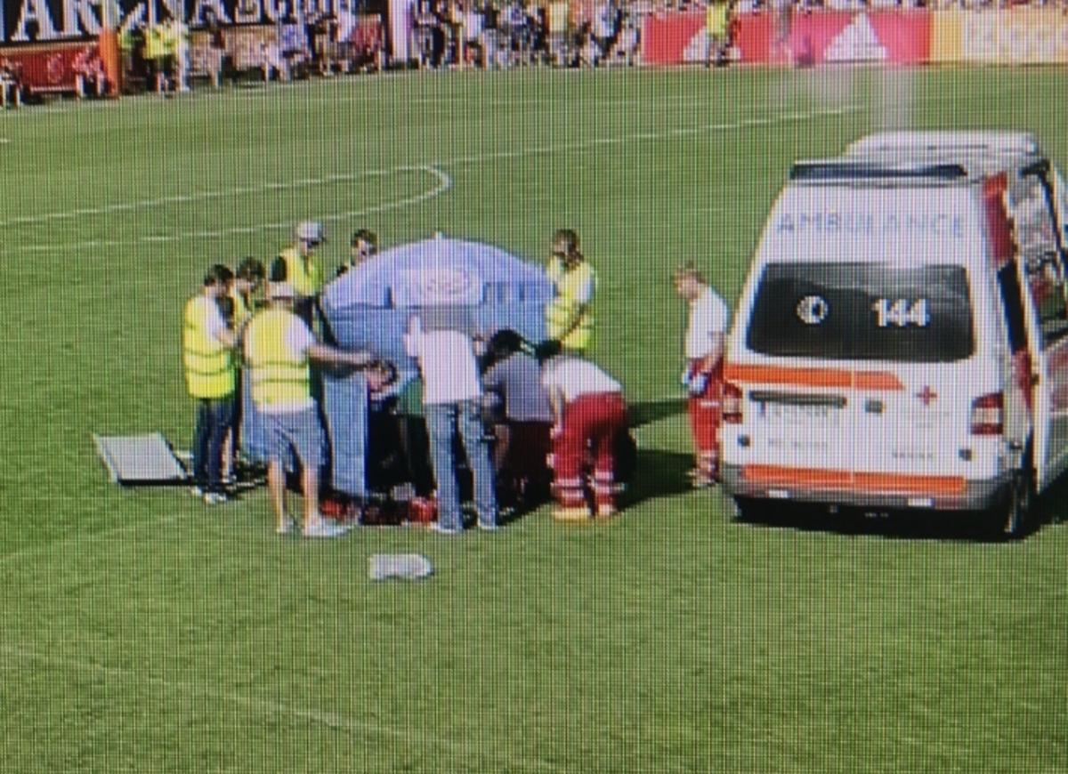 Παίκτης του Άγιαξ κατέρρευσε στον αγωνιστικό χώρο! [vid]