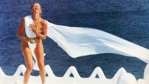 Ζωή Λάσκαρη: Η γυμνή φωτογράφιση στο Playboy που έγραψε ιστορία [pics]