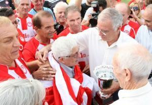 Ο Ολυμπιακός θρηνεί – Πέθανε ο Θανάσης Μπέμπης