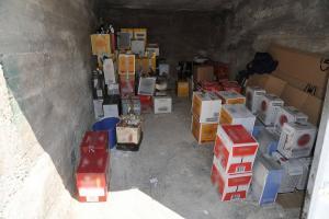 Προμήθευαν με ποτά – δηλητήριο μαγαζιά και κάβες σε όλη τη χώρα! Κατασχέθηκαν χιλιάδες φιάλες