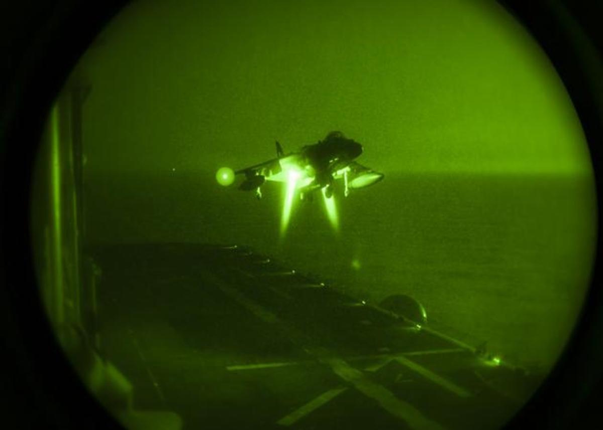 Προσνήωση μαχητικού Harrier όπως την βλέπουν… μόνο λίγοι [vid]