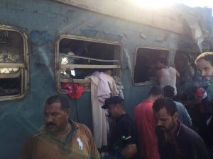 Σύγκρουση τραίνων στην Αίγυπτο: Υπό κράτηση οι μηχανοδηγοί