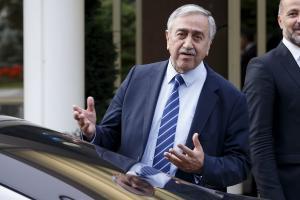 Ακιντζί: Αντί για λίγο στρατό στην Κύπρο, προτίμησαν 40.000 στρατιώτες