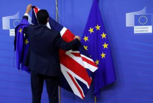 Brexit με το… πάσο της θέλει η Βρετανία