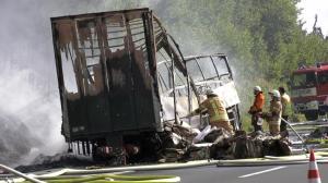 """Γερμανία: """"Πιθανόν 18 νεκροί"""" στο τροχαίο με το λεωφορείο – Συγκλονισμένη η Μέρκελ"""