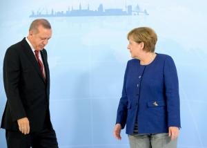 """Φουντώνει"""" η κόντρα Βερολίνου – Άγκυρας – Κλήθηκε για εξηγήσεις ο Τούρκος πρέσβης"""