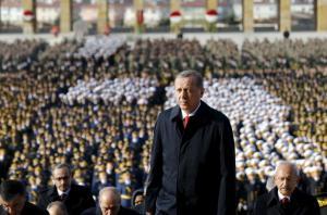 """Ερντογάν: Συνεχίζει το """"έργο"""" του! 70 νέες συλλήψεις δημοσίων υπαλλήλων"""