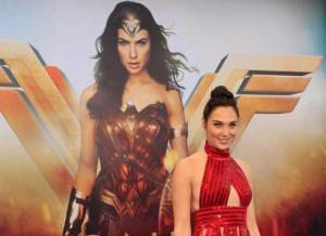 Υπόκλιση της Wonder Woman στην Beyonce!