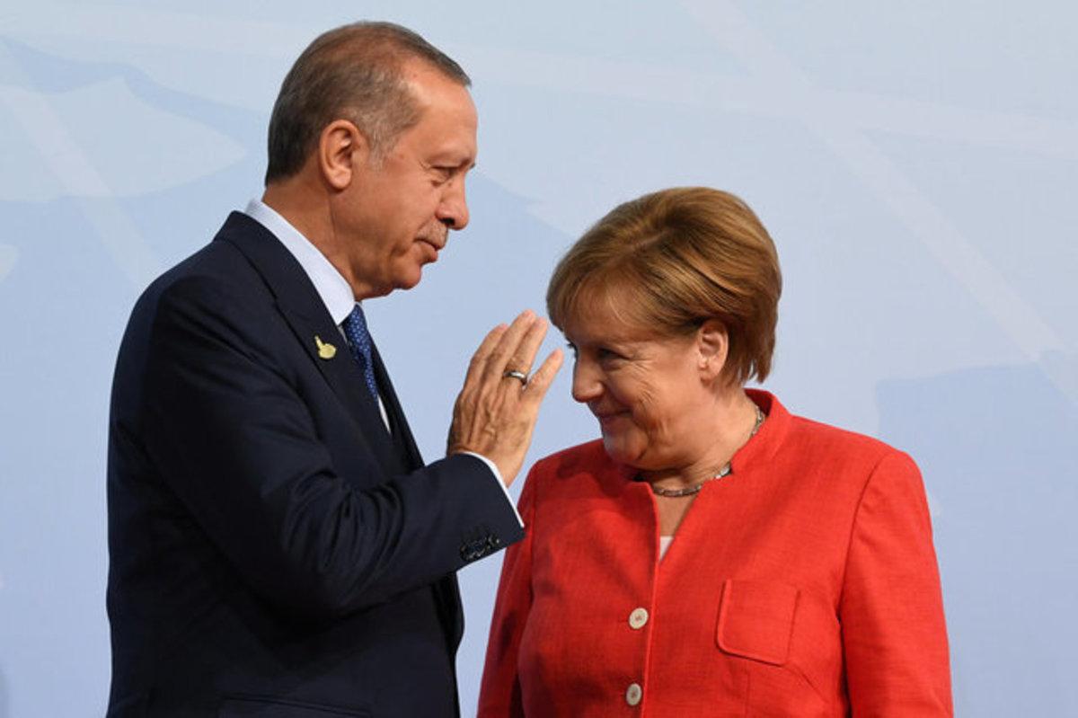 """""""Πόλεμος"""" Τουρκίας – Γερμανίας: Απειλές και εκβιασμοί"""