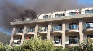 Φωτιά σε ξενοδοχείο στην Αττάλεια! Τρόμος για 400 τουρίστες