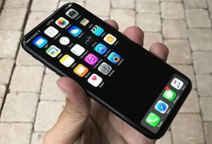 Διέρρευσαν πληροφορίες για το νέο iPhone 8
