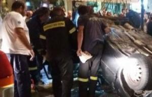 Καλαμάτα: Τροχαίο με εγκλωβισμό οδηγού στο κέντρο – Ανατροπή αυτοκινήτου μετά τη σύγκρουση!