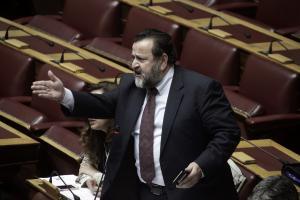 Κόλαση στη Βουλή! «Είσαι θρασίμι!» φώναζε ο Κεγκέρογλου στον υφυπουργό Ναυτιλίας