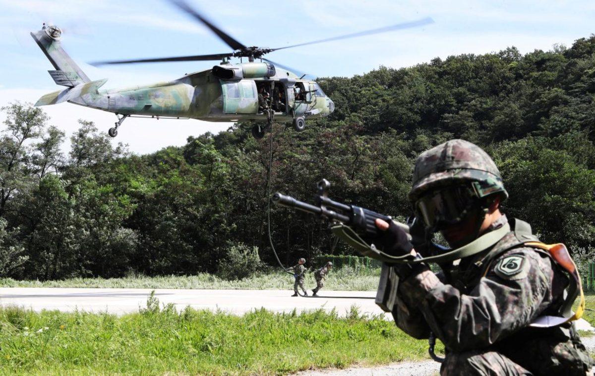 Ασκήσεις πολέμου στην κορεατική χερσόνησο! Βομβάρδισαν τα σύνορα Νότιας και Βόρειας Κορέας