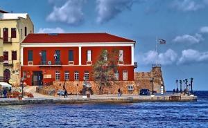 Κρήτη: Το Ναυτικό Μουσείο απαγορεύει τη δουλειά σε όποιον… έχει οικογένεια – Δείτε την αγγελία
