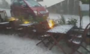 Καλοκαίρι στα… χαρτιά! Στα λευκά το Μέτσοβο – Χαλάζι, καταιγίδες και μποφόρ! [vids]