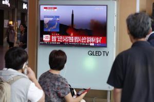 """Επικίνδυνα παιχνίδια! Πύραυλος της Βόρειας Κορέας πάνω από την Ιαπωνία – """"Βρείτε καταφύγιο!"""""""