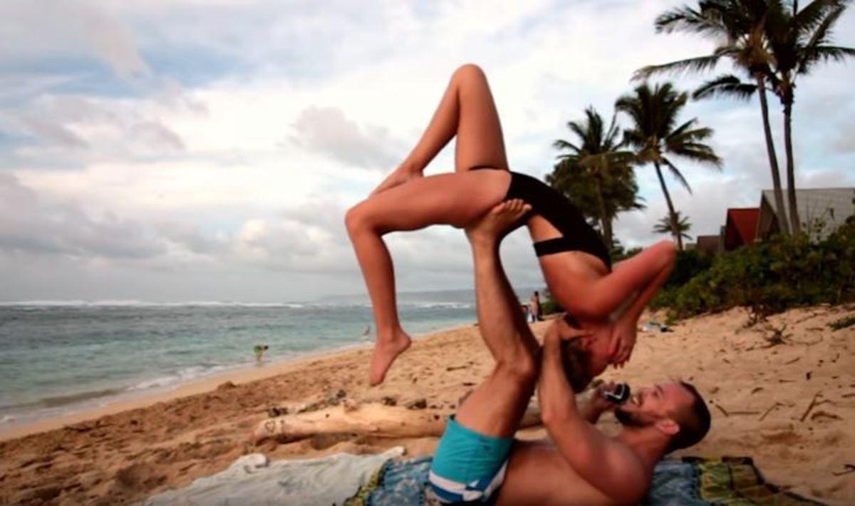Επική πρόταση γάμου σε στάση yoga!