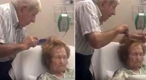 Άνδρας περιποιείται τα μαλλιά της ηλικιωμένης άρρωστης συζύγου του