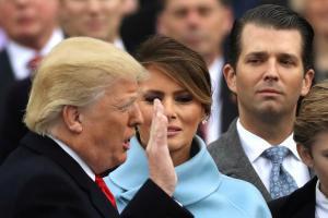 """Αμαρτίαι… τέκνων παιδεύουσι Τραμπ! Μπορεί να τον """"ρίξει"""" ο ίδιος του ο γιος με το σκάνδαλο μεγατόνων;"""