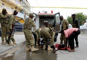 Λουτρό αίματος! Έξι νεκροί από έκρηξη αυτοκινήτου και σοκαριστικές εικόνες στη Σομαλία