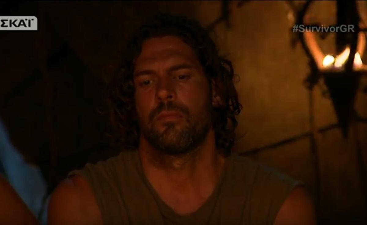 Survivor: Απόλυτη ανατροπή! Η αποχώρηση του Σπαλιάρα, η μούντζα του μισθοφόρου και τα δάκρυα του Ντάνου [vids]