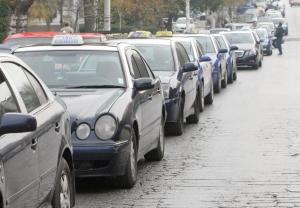 Θεσσαλονίκη: Διακινούσαν τα λαθραία τσιγάρα με ταξί!