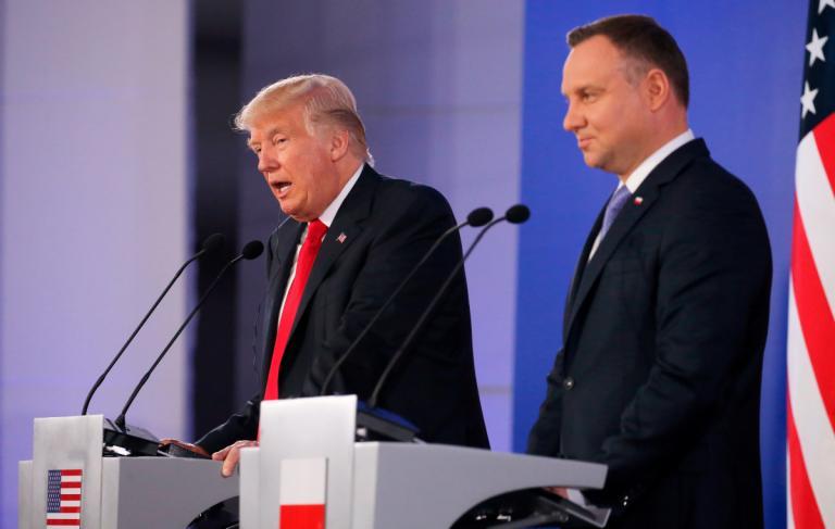Επίσκεψη Τραμπ στην Πολωνία: Δουλεύουμε ενάντια στην αποσταθεροποιητική στάση της Ρωσίας