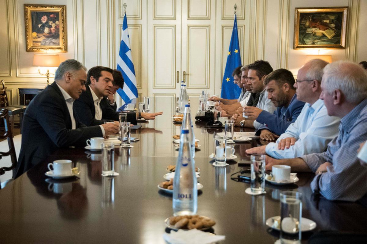 Αυτές είναι οι προτάσεις Τσίπρα στους συμβασιούχους – Συνεδριάζουν για τις τελικές αποφάσεις