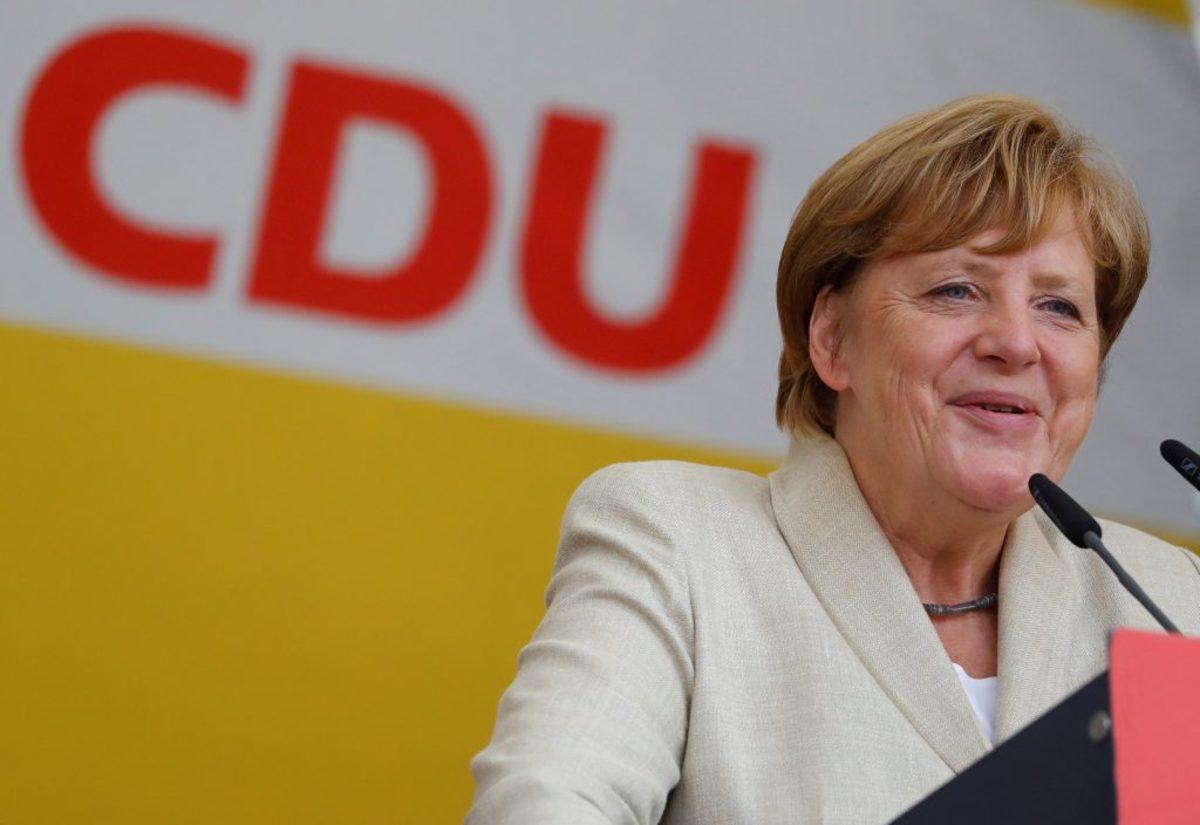 """Μέρκελ: """"Σε ό,τι κάνω, στόχος μου είναι να ενισχύσω τη δημοκρατία"""""""