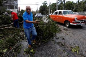 Κυκλώνας Ίρμα: Τουλάχιστον 10 νεκροί μετά το σαρωτικό πέρασμα του