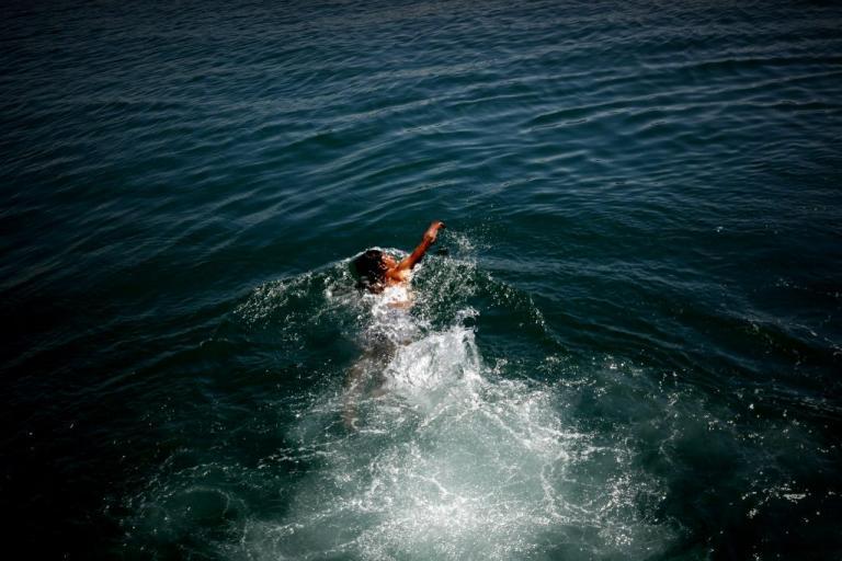 Καστελόριζο: Σκοτώθηκε 9χρονο κοριτσάκι – Η βάρκα χτύπησε στα βράχια και βυθίστηκε – Αγωνία για τους τραυματίες του ναυαγίου!