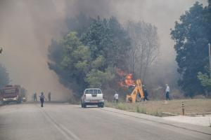 Πύρινη κόλαση στην Ηλεία – Φωτιά σε Ανδραβίδα και Λεχαινά – Απειλούνται σπίτια