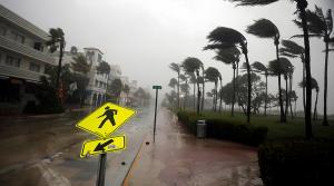 Κυκλώνας Ίρμα: Όλοι φεύγουν οι Stormchasers μένουν!