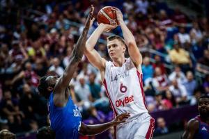 "Eurobasket 2017: Πορζίνκις και Στρέλνιεκς ""οδήγησαν"" τη Λετονία"