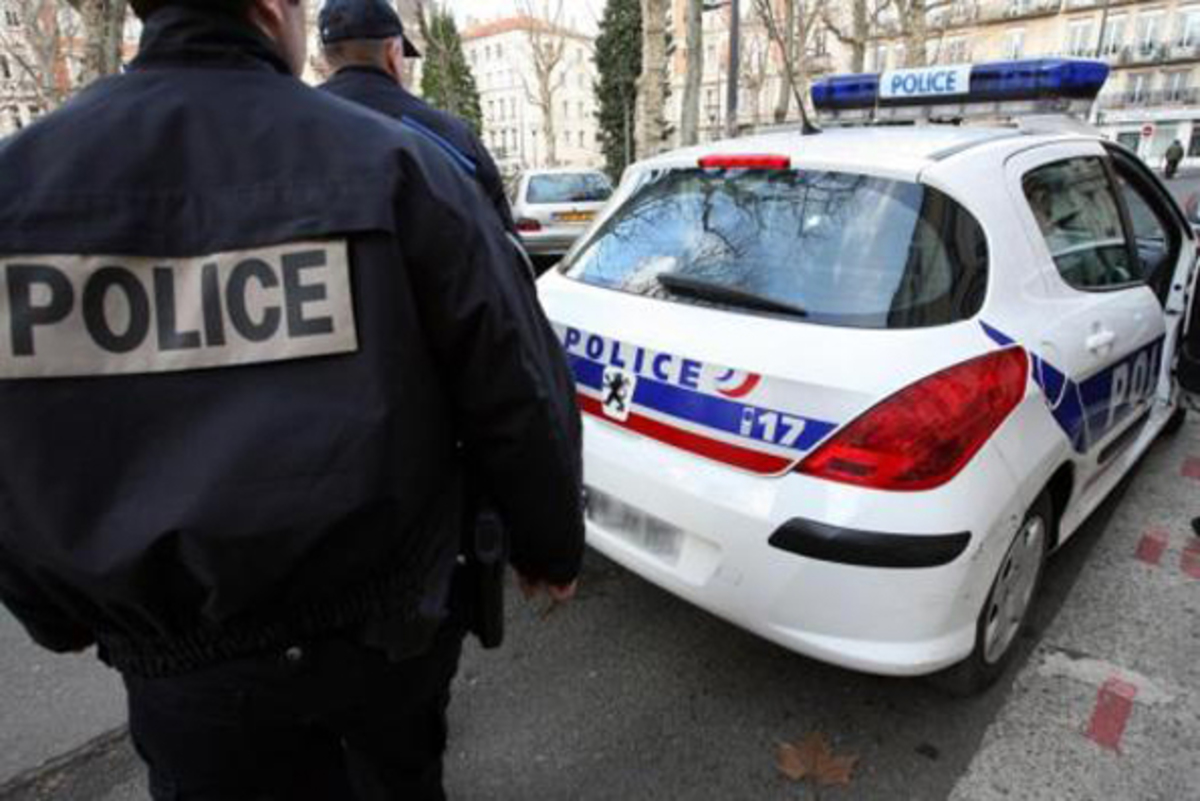 Μεγάλη αστυνομική επιχείρηση στη Γαλλία – Εντοπίστηκαν εκρηκτικά σε διαμέρισμα στο Βιλζουίφ