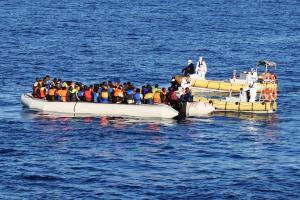 Άνοιξαν πυρ και έπεσαν στη θάλασσα – Πνίγηκαν 33 μετανάστες ανοιχτά της Υεμένης