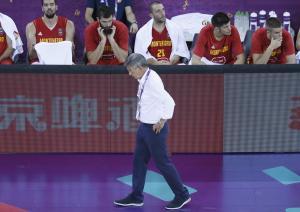 Eurobasket 2017: Πρόστιμο για… τσιγάρο στα αποδυτήρια