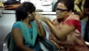 Ινδή πολιτικός χαστούκισε νεαρή επειδή έχει σχέση με μουσουλμάνο