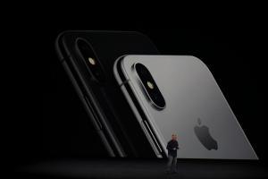 Δείτε όλα όσα έγιναν στην παρουσίαση του iPhone 8!