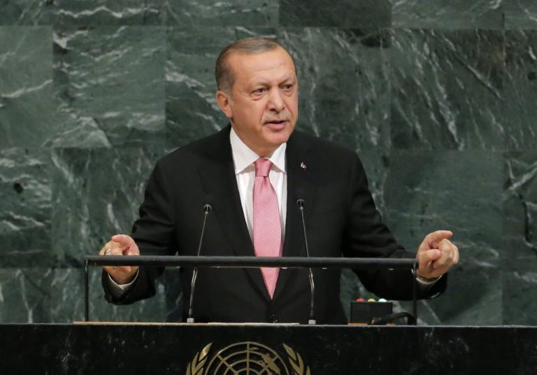 Τρέμει το δημοψήφισμα των Κούρδων ο Ερντογάν – Κάθισε με τους εχθρούς του στο ίδιο τραπέζι!